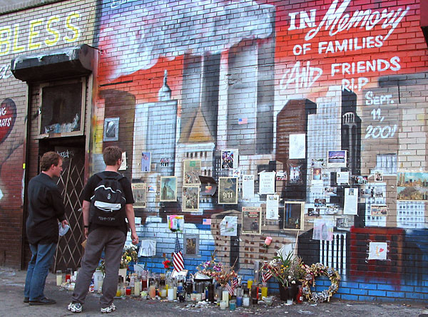 9/11 grief and memorial murals