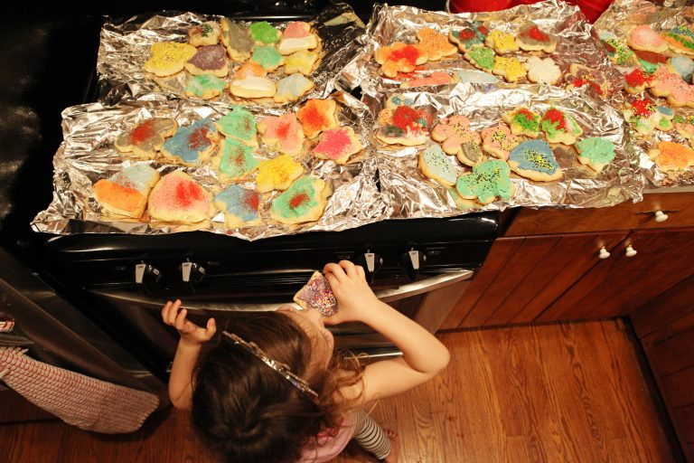 making my mother's christmas cookies